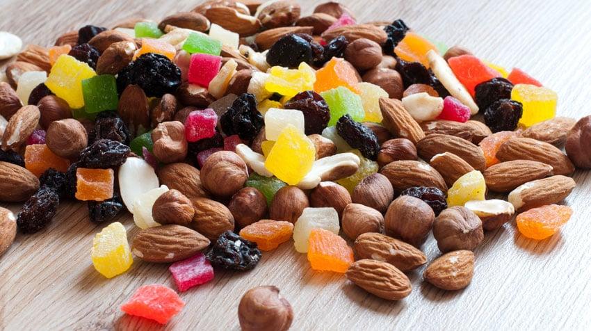 сухофрукты, орехи и цукаты