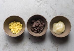 Из чего делают пластичный шоколад