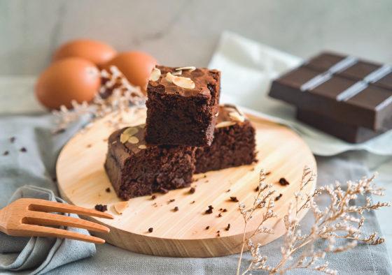 Приготовление шифонового шоколадного бисквита