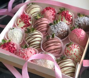 Украшение клубники в шоколаде варианты