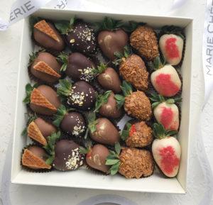 Варианты оформления клубники в шоколаде