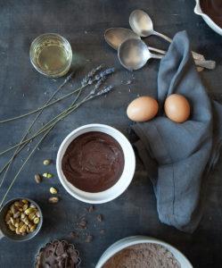Как готовится шоколадный бисквит