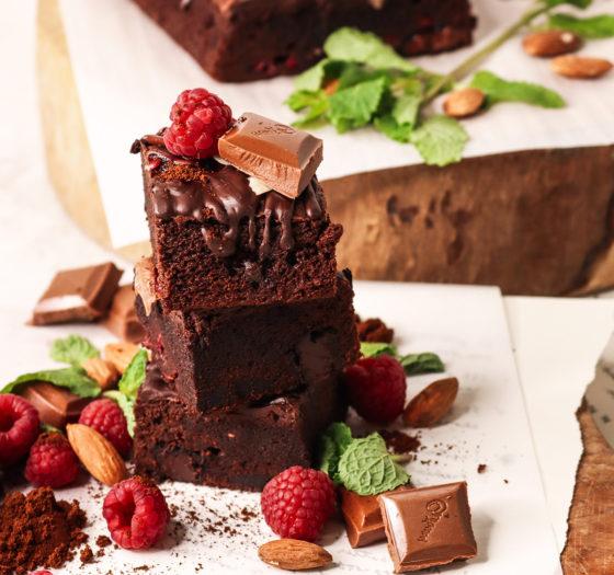 Вкусный бисквит с шоколадом в мультиварке
