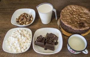 Из чего готовят шоколадный торт