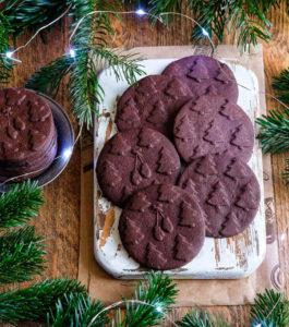 Печенье из шоколада и гречневой муки