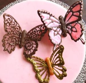 Разноцветные шоколадные бабочки