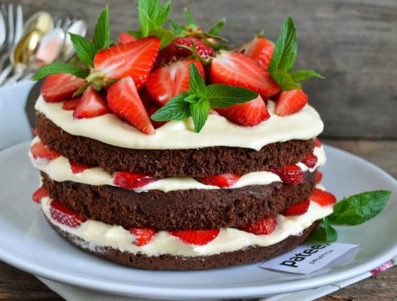 Шоколадно-клубничный пирог