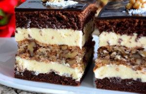 Торт с шоколадом и сметанным кремом