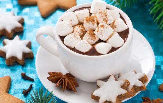 Зимняя подача горячего шоколада