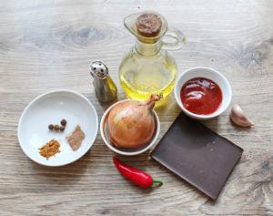 Ингредиенты для острого шоколадного соуса