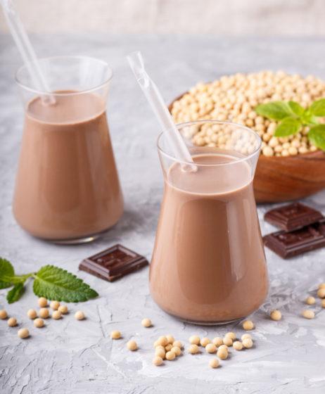 Как готовить шоколадное молоко
