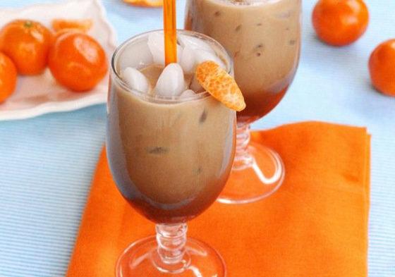 Шоколадный коктейль с мандарином