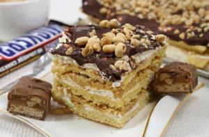 Торт Сникерс с песочным печеньем