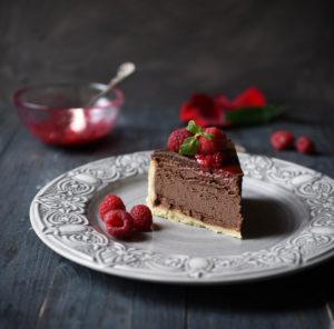 Ягодный шоколадный чизкейк